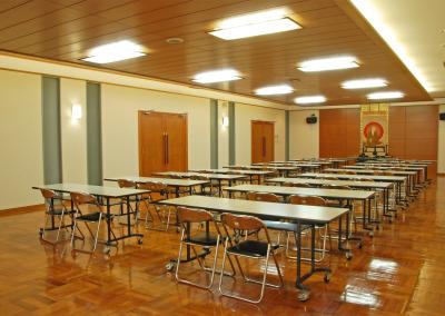 地下会議ホール