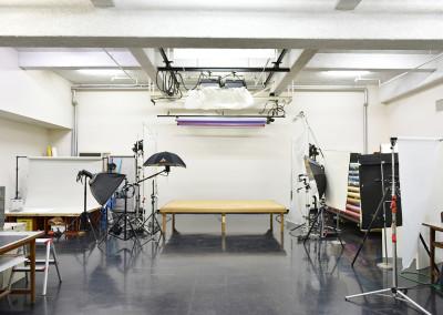 地下撮影スタジオ